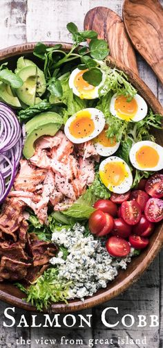 Salmon Cobb Salad Salmon Cobb Salad ~ a twist on a classic main course salad that proves that salad can complete with tacos or pizza any night of the week! Taco Cobb SaladCobb Salad with Herb-RubbSalmon Chopped Salad Seafood Recipes, Gourmet Recipes, Cooking Recipes, Healthy Recipes, Canned Salmon Recipes, Salmon Salad Recipes, Cheap Recipes, Drink Recipes, Salad Recipes For Dinner