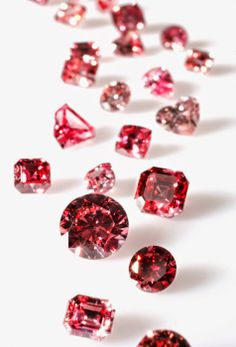 Natural Pink Diamonds--Your Shopping Guide for these Rare Diamonds | http://whatwomenloves.blogspot.com/2014/04/natural-pink-diamonds-your-shopping.html