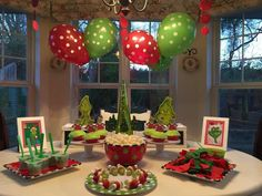Best Christmas Party Decoration Ideas Of Christmas 2018 That You Can Check Each and every festival has its own unique decorations. Here are several christmas party decoration ideas for you to decorate your home for christmas party. Grinch Christmas Decorations, Grinch Christmas Party, Christmas Movie Night, Christmas Birthday Party, Grinch Party, Christmas Party Decorations, Family Christmas, Christmas Holidays, Christmas Kitchen