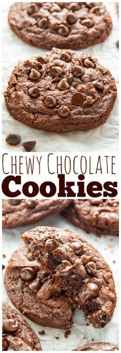 Extra Chewy Chocolate Fudge Cookies! Rich, chocolatey, vegan goodness. #vegan
