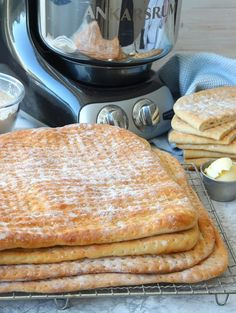 Savoury Baking, What's For Breakfast, Calzone, Recipe Of The Day, Muesli, Crackers, Bread Recipes, Yummy Treats, Recipies