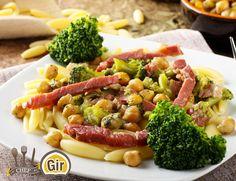 Cavatellini con crema di broccoli, ceci e pancetta
