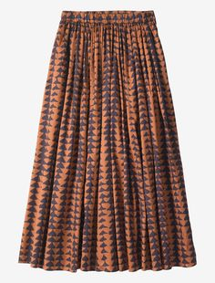 Full, pull-on, gathered waist, mid-length skirt in a smooth, slightly sheeny cotton. Fits neatly at the waist. Two pockets.