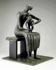 Henry Moore, Mother and Child with Apple © The Henry Moore Foundation. All Rights Reserved, DACS 2014 / . Art Sculpture, Abstract Sculpture, Bronze Sculpture, Metal Sculptures, Maya Art, Pablo Picasso, Henry Moore Sculptures, Picasso Portraits, Modernisme