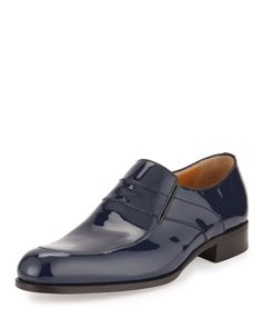 Testoni loafer in patent leather. Penny keeper strap across vamp. Stretch gore cuts at sides for easy on-and-off. Slip-on style. Leather lining and insole. Made in Italy. Mens Fashion Shoes, Fashion Boots, Men's Fashion, Men Suit Shoes, Man Shoes, Formal Shoes, Casual Shoes, Leather Slip Ons, Patent Leather