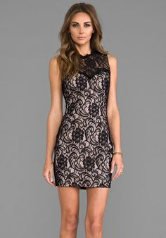 DOLCE VITA Abrianna Stretch Floral Lace Dress in Noir