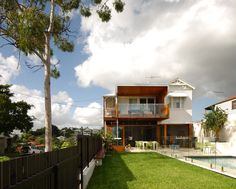 Brisbane Architects - Lockyer Architects sustainable, memorable award winning architecture and design. Residential Architecture, Architecture Design, Brisbane Architects, House On A Hill, Home Additions, Home Reno, Old Houses, My Dream Home, New Homes
