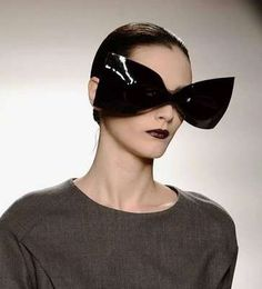 Bizarre Sculptural Eyewear - I think I can never wear this glasses on public :)