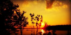 Sunset on Buggs Island Lake by memejanetx3