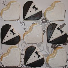 Wedding Cookies-hearts as gowns and tuxes Galletas Cookies, Iced Cookies, Royal Icing Cookies, Sugar Cookies, Heart Cookies, Cute Cookies, Cupcake Cookies, Wedding Sweets, Wedding Favours