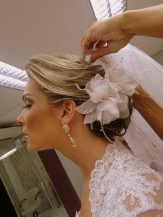 penteado noiva flor - Pesquisa Google
