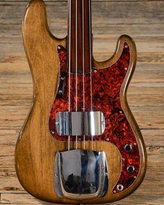 Bass Guitar Cord 10 Ft Bass Guitar Primer Book For Beginners – Guitar Ideas Learn Acoustic Guitar, Fender Bass Guitar, Fender Precision Bass, Instruments, Guitar Strings, Custom Guitars, Cool Guitar, Guitar Lessons, Playing Guitar
