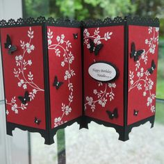 Stampin' Up! Oriental inspired screen divider card by Linda Parker . flower vines stamped in white with little punched butterflies in black . Tri Fold Cards, Fancy Fold Cards, Folded Cards, Pop Up Cards, Cute Cards, Screen Cards, Tarjetas Pop Up, Asian Cards, Shaped Cards