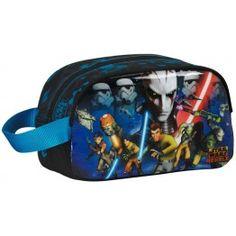 Neceser Star Wars Rebels Carrying case de la conocida serie de Disney XD Cierre de cremallera con tirador Cinta para colgar Adaptable a mochila con carro Dimensiones: 26 x 15 x 12 cm. Producto oficial Star Wars