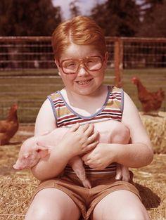 Cute Kid Cuddling Cute Pig, Cute Pic!