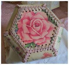 Vintage Rose Postcard Card Box by rosepetalsandblooms on Etsy Greeting Card Box, Vintage Greeting Cards, Vintage Postcards, Cardboard Crafts, Paper Crafts, Diy Crafts, Card Basket, Paper Basket, Crochet Box