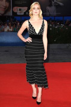 From Barbara Palvin in Philosophy di Lorenzo Serafini and Emma Stone in Versace to Gemma Arterton in Stella McCartney, take a look at the best dressed celebrities on the red carpet at the edition of the Venice Film Festival. Celebrity Gowns, Celebrity Red Carpet, Celebrity Style, Celebrity Photos, Natalie Portman, Sophie Turner, Vogue Paris, Star Fashion, Fashion Photo