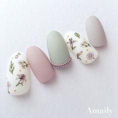 ボタニカル in 2020 Nail Polish Art, Toe Nail Art, Toe Nails, Minimalist Nails, New Years Nail Art, Floral Nail Art, Japanese Nail Art, Oval Nails, Manicure E Pedicure