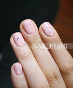 """""""내손은 여자손~ 여리여리 컬러로 #포인트네일 @nail_41shop #네일디자이너지니 #지니네일 #41shop #포원샵 #네일 #네일아트 #젤네일 #연예인네일 #gelnails #nails #nailart #naildesign #weddingnails #beauty…"""""""