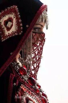 :::: PINTEREST.COM christiancross ::: Yemeni - Sanaa women style