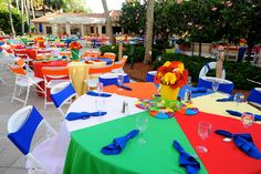 Love the beach ball tableclothes - husband graduates and it's time to head to warmer weather... ;-)