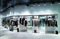 Sklepy odzieżowe. Trendy w projektowaniu - Fashionweare.com