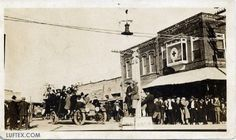 luf-ave-parade.jpg (593×352). in downtown Lufkin. Automobile load of Lufkin beauties coming down Lufkin Ave. from Cotton Square. The building on the corner is the Denman Hospital. Very early 1900's.