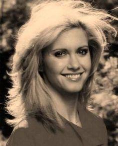 Olivia Newton John 70s - Buscar con Google