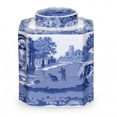 Spode Blue Italian pattern tea caddy, square with concave curve on corners, blue and white pastoral scene decoration, porelain, UK