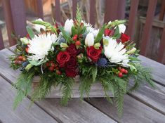 Seasonal blooming garden created by Fleurelity - flower gift box for holidays/Christmas. Christmas Flower Arrangements, Christmas Flowers, Beautiful Flower Arrangements, Floral Arrangements, Christmas Wreaths, Christmas Candles, Advent Wreaths, Christmas Christmas, Winter Centerpieces