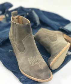 Booties are a girls best friends // Available @maude_nwa and online // #shopmaude #dolcevita #denim