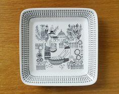 Arabia Finland Emilia Pottery Dish / Plate, Raija Uosikkinen. 1950s / 1960s Vintage Mid-Century Retro Finnish Design Ceramic Bowl