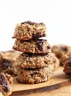EASY 5 Ingredient Gluten-Free Vegan Oatmeal Cookies! | http://minimalistbaker.com