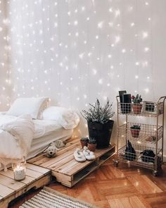 Need ideas for bedroom wall decor for inspiration? We can help with that. We have bedroom wall decor ideas to help you create a cozy and comfy bedroom Bedroom Decor Lights, Room Ideas Bedroom, Bedroom Inspo, Design Bedroom, Bedroom Lighting, Bedroom With Fairy Lights, String Lights Bedroom, Bedroom Wall Ideas For Adults, Wood Room Ideas