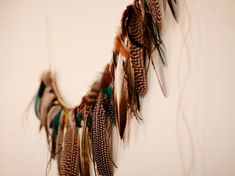 Feather Garland - How Did You Make This? | Luxe DIY