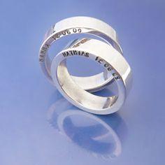 Leuk idee, niet aan de binnenkant maar boven/ onder  #weddingrings #förlovningsringar