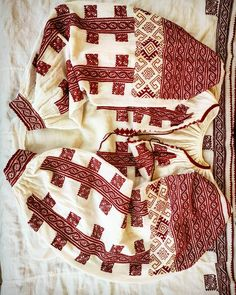 Folk Costume, Costumes, Folk Embroidery, Folk Art, Celtic, Blouse, Instagram Posts, Shirts, Projects