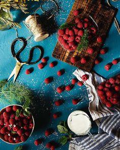 Raspberries delicious  -----Hoy frambuesas de postre que nos encantan de cualquier forma #foodporn #foodphotography by raquel_carmona