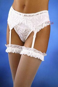 Exklusivní podvazkový pás z prvotřídní elastické krajky, vhodný nejen pro nevěsty, ale pro každou romanticky založenou ženu.