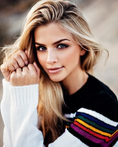 Picture of Marina Laswick Beautiful Eyes, Most Beautiful Women, Beautiful People, Beauté Blonde, Photographie Portrait Inspiration, Marina Laswick, Foto Casual, Girl Photography, Pretty People