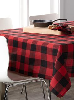 Designed in our studios exclusively for Simons Maison Trendy hunter check in… Chalet Style, Lodge Style, Dresser La Table, Buffalo Check Tablecloth, Rustic Cabin Decor, Buffalo Plaid, Buffalo Print, Table Linens, Home Furniture