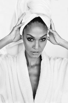 """Mario Testino shares the newest additions to his exclusive """"Towel Series:"""" Joan Smalls, Edie Campbell, and Fei Fei Sun. Mario Testino, Patrick Demarchelier, Gisele Bundchen, Lady Diana, Miranda Kerr, Vanity Fair, Puerto Rican Models, Towel Series, Edie Campbell"""