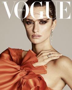 Magazine photos featuring Penélope Cruz on the cover. Penélope Cruz magazine cover photos, back issues and newstand editions. Vogue Korea, Édito Vogue, Vogue India, Vogue Men, Vogue Magazine Covers, Fashion Magazine Cover, Fashion Cover, Vogue Covers, Vogue Editorial