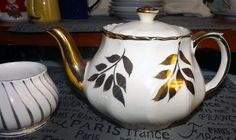 Vintage (c.1930s) Boston teapot made in England + Sadler gold swirl sugar bowl. Hand-painted gold leaves and spout, fluted body.  EXCELLENT!