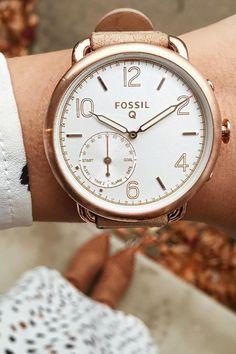 Q Tailor hybrid looks like a watch but acts like a smartwatch. via @ anastasiasouris