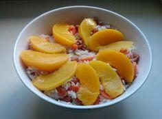 Ben je hongerig en wil je snel een maaltijd klaarmaken? Deze fruitige rijstbowl is het recept wat je zoekt! Gezond, vegan en binnen 15 minuten op tafel.