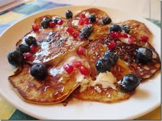 3 Ingredient Banana Pancakes 100% #WeightWatchers #SimpleStart #GlutenFree and delicious! 7 points+ if your counting!