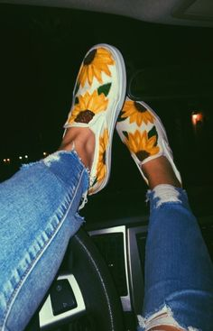 🌻✨5SOSANGEL02✨🌻 Cute Vans, Sunflower Vans, Sunflower Print, Shoes Heels, Vans Shoes, Sock Shoes, Shoe Boots, Baskets, Aesthetic Shoes
