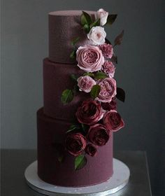 The 11 hottest wedding cake trends right now - Modern wedding cakes - Modern Weddin . - The 11 hottest wedding cake trends right now – modern wedding cakes – modern wedding cakes - Black Wedding Cakes, Beautiful Wedding Cakes, Beautiful Cakes, Cake Wedding, Burgundy Wedding Cake, Wedding Cake Purple, How To Make Wedding Cake, Fruit Wedding, Fondant Wedding Cakes