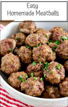 Easy Homemade Meatballs Easy homemade meatball recipe is so simple - no more store-bought! How to make homemade meatballs for sauces and sandwiches in just a few easy steps. Meatball Recipes, Beef Recipes, Cooking Recipes, Healthy Recipes, Hamburger Recipes, Healthy Chef, Eat Healthy, Easy Recipes, How To Make Meatballs